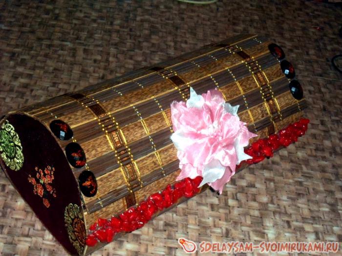 Шкатулка из деревянной салфетки