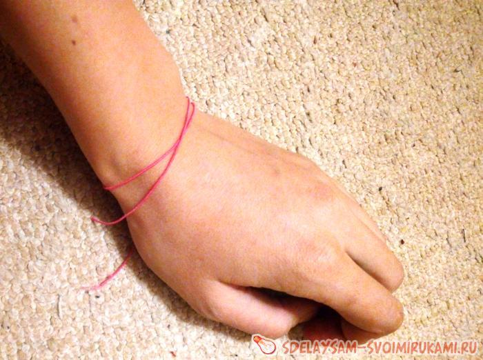 Как сделать браслет из булавок