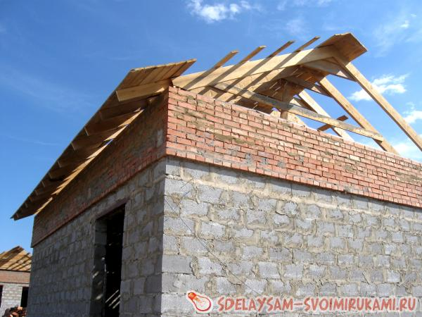 Making a gable roof