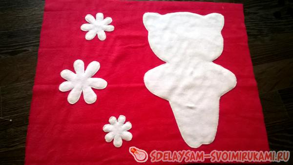 Baby kitty pillow