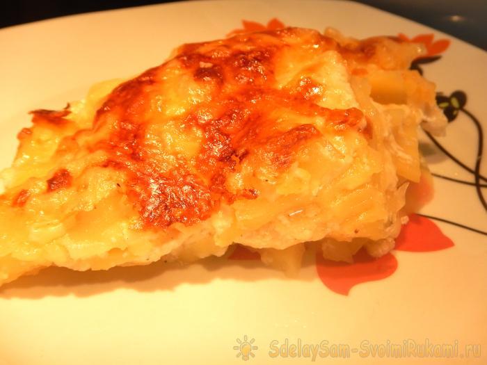 Картофель запеченный в сливках и молоке