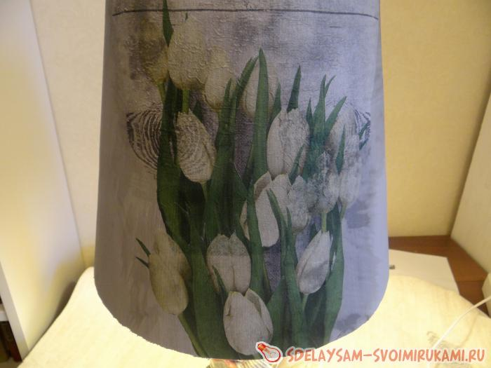 Restoration and decoupage lampshade