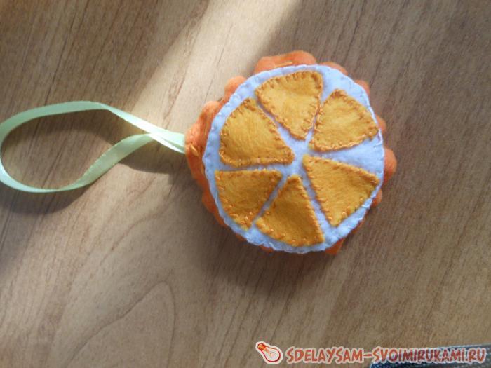 Новогодняя подвеска апельсин из фетра