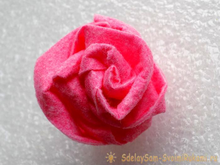 Розы из вискозных салфеток. Мастер-класс с пошаговыми фото