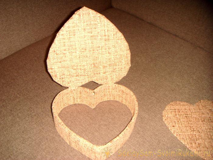 Casket in the shape of a heart