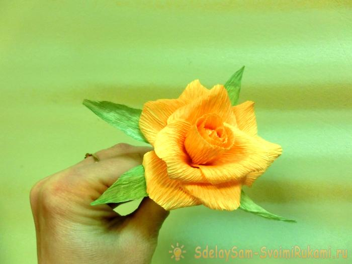 украшение из бумажных цветов