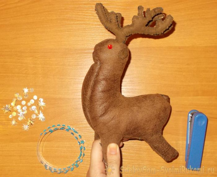 A toy Deer with his own hands