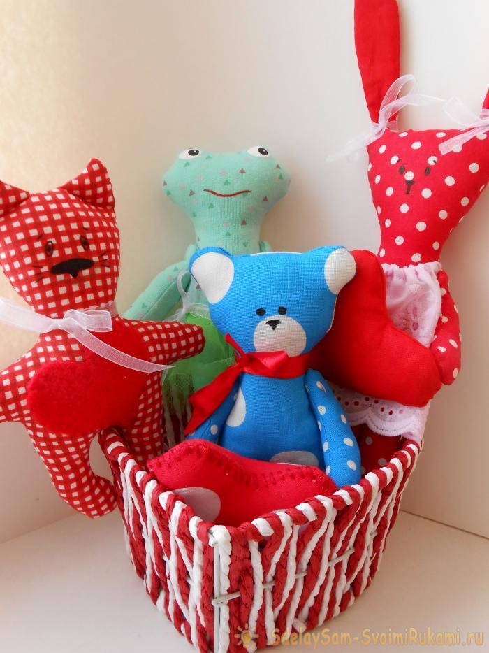 Что подарить на День Валентина? Шьем примитивного мишку с сердечком