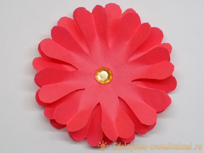 Цветок из кругов: бумажный, объемный