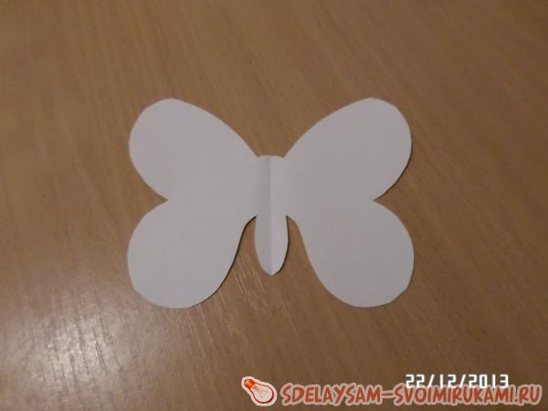вырезаем бабочку