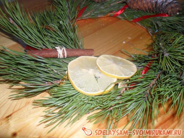 лимон и корицу