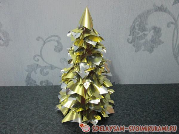 Гламурная золотая елка готова