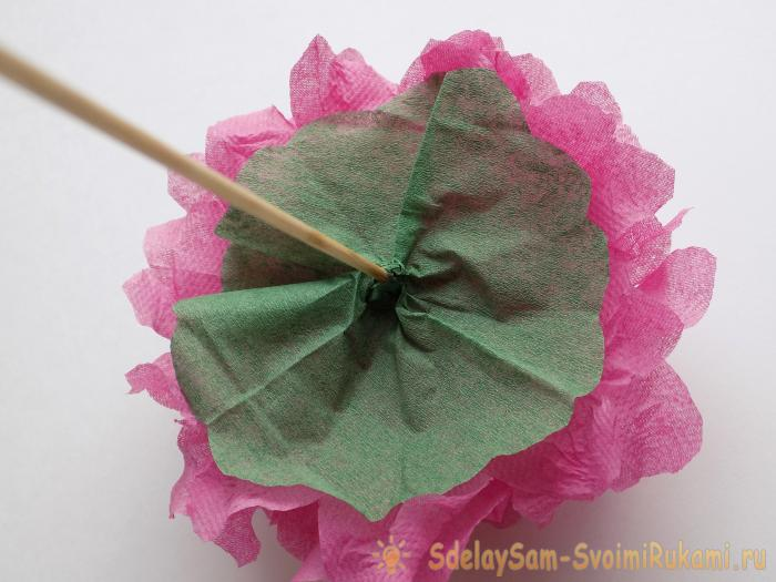 How to make a lush flower out paper napkins