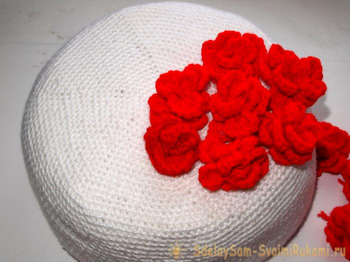 Трехъярусный торт с розами крючком