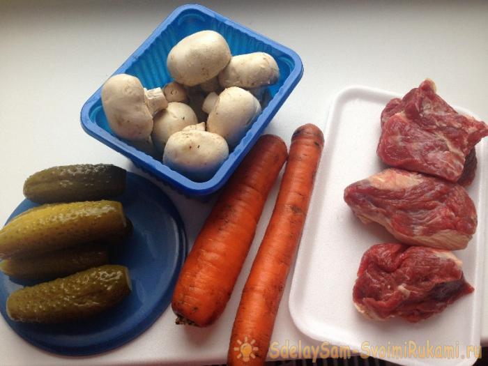 Сытный и простой рецепт салата Мясной