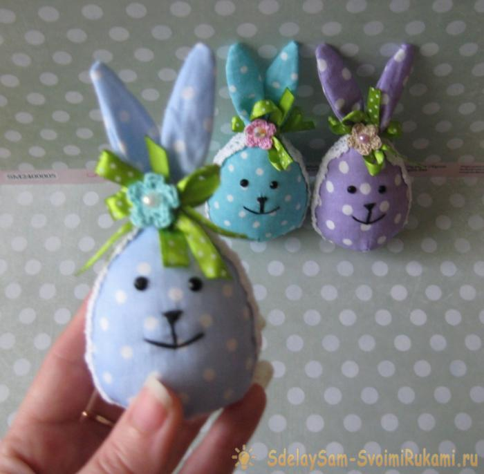 Яйца зайчики из ткани