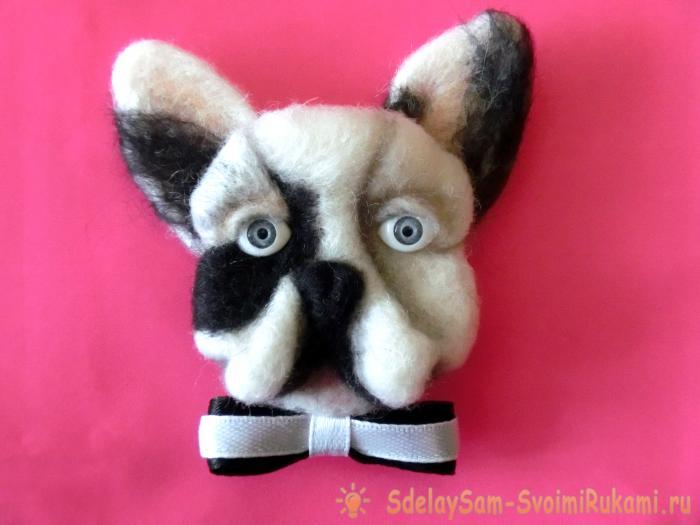 Brooch Dog from wool