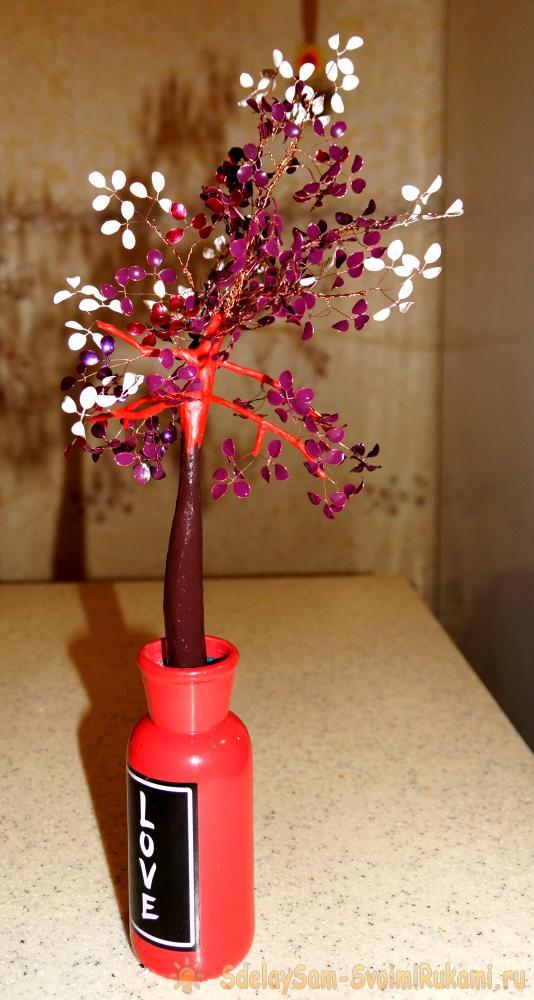 Дерево из проволоки и лака для ногтей