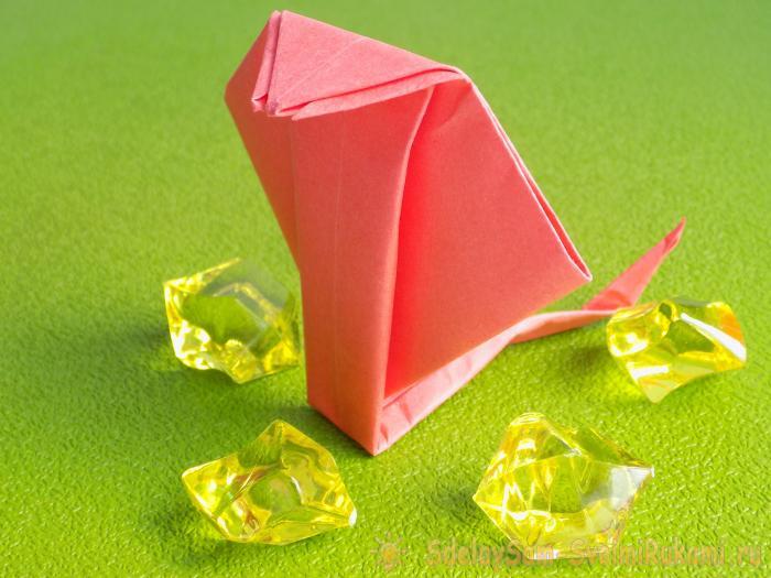 Змея из бумаги. Как сделать оригами кобру. A snake of paper.