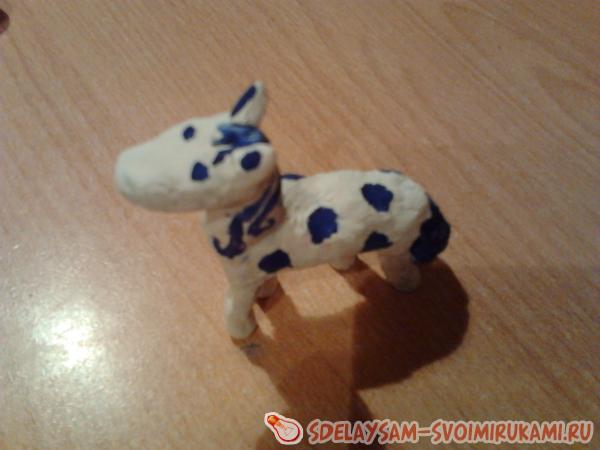 Лошадка из глины