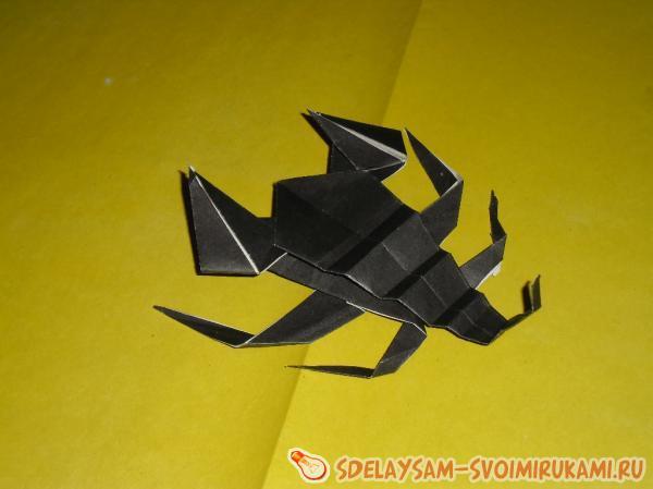 скорпион из бумаги