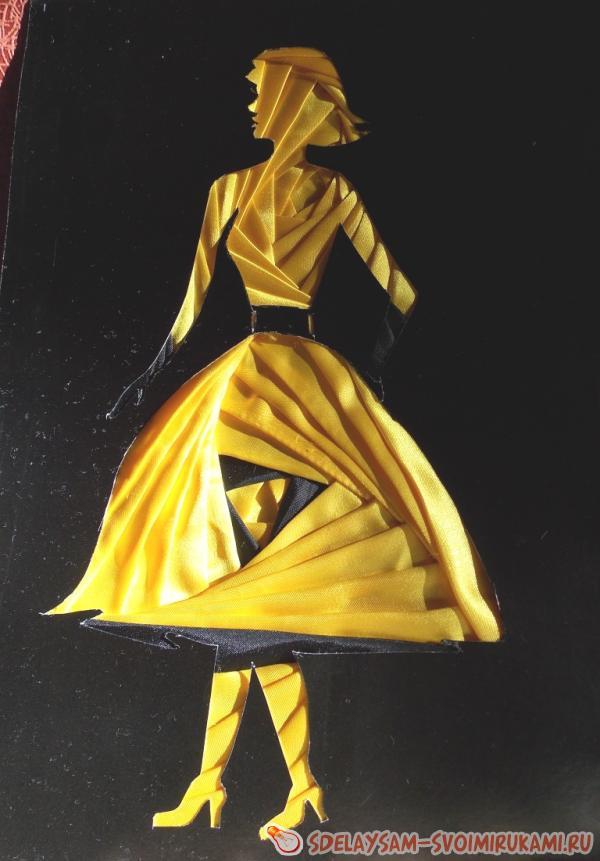 woman Iris technique folding