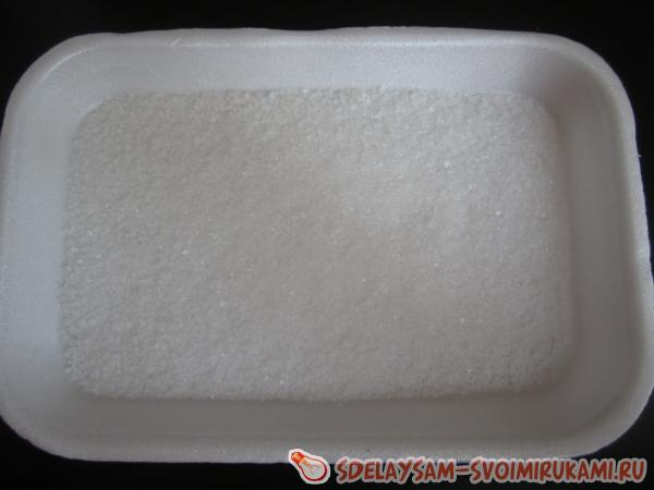 насыпать морскую соль