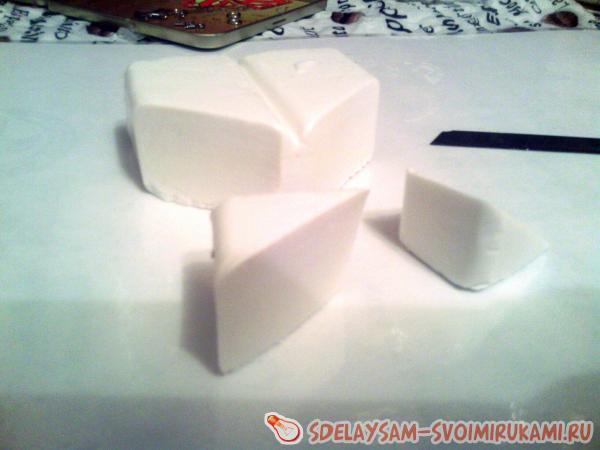 брусок белой пластики
