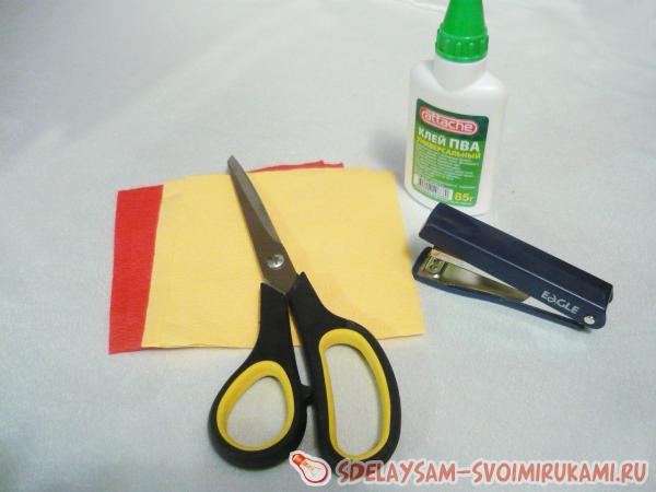 цветные бумажные салфетки клей
