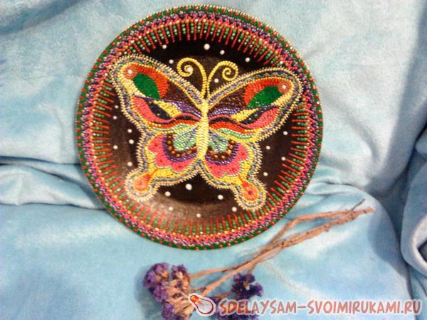 Летняя бабочка в точечной росписи