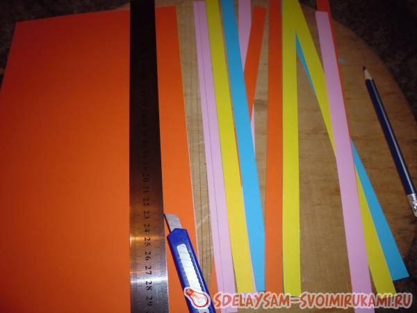 Полоски бумаги нарезаем