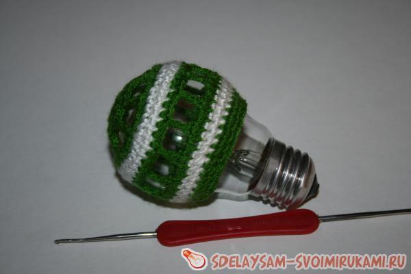 Воздушный шар из старой лампочки