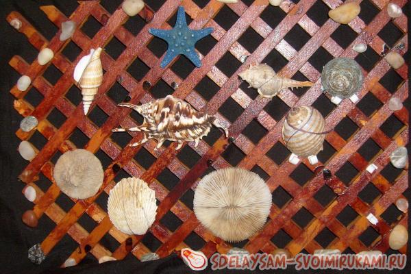 настенное украшение из раковин
