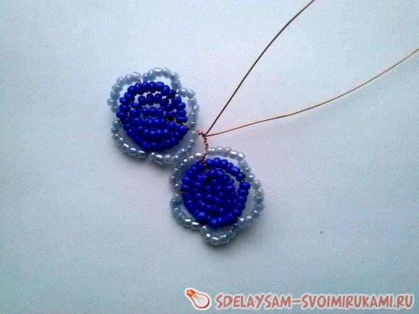 Terry violet of beads