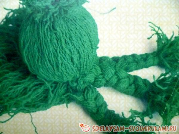 осьминожек из ниток