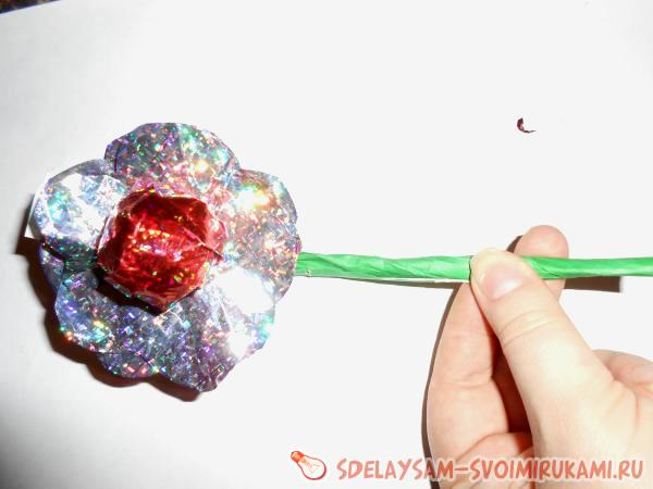 Цветок с секретом