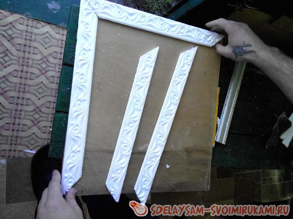 Как сделать картину из потолочного плинтуса