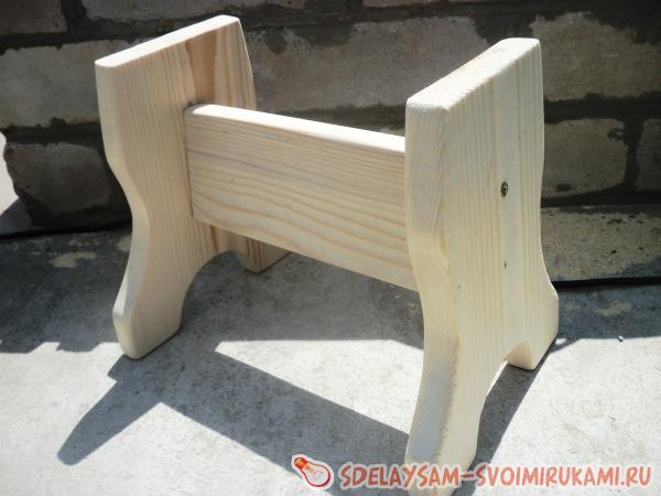 Скамеечка своими руками из дерева для ребенка 31