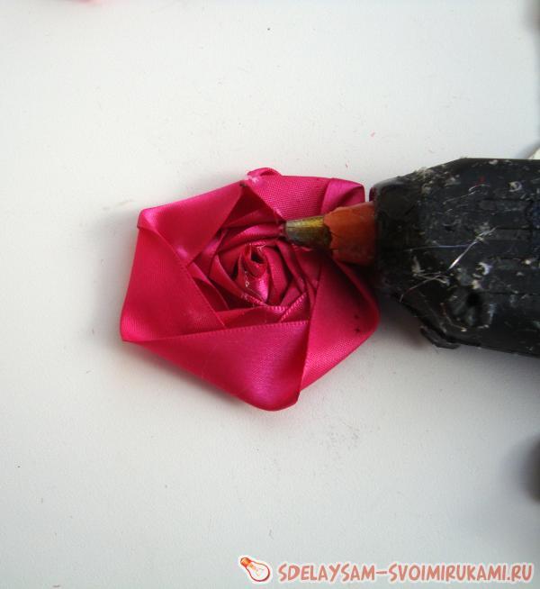 glue roses