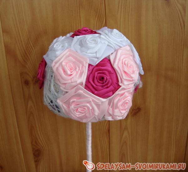 делаем из роз розового цвета
