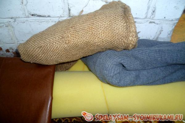 мешок и куски ткани