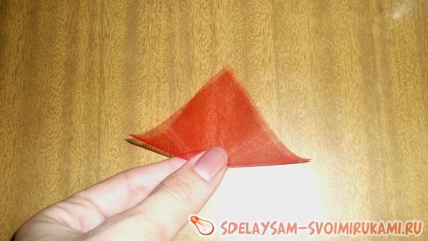 изготовлению пушистых треугольников