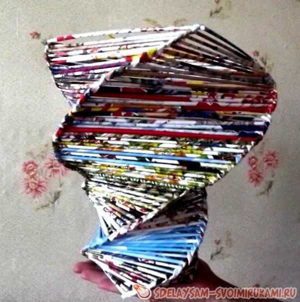 spiral vase from paper vine