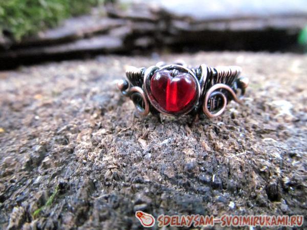Кольцо из медной проволоки