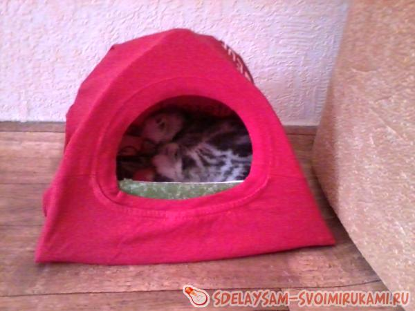 Домик для кошки с коробки своими руками