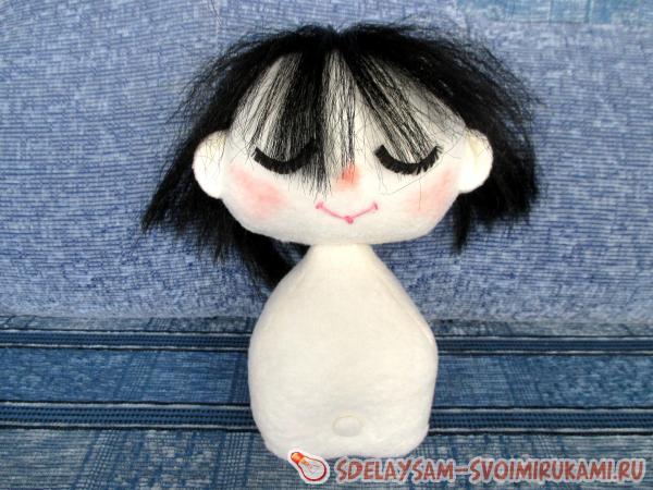 пришейте голову куклы