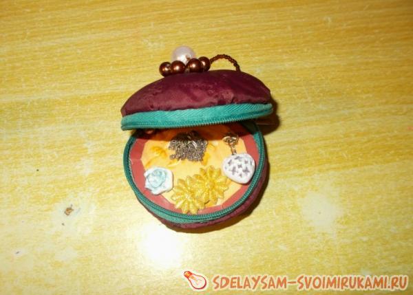 Шкатулка - футлярчик для хранения мелких предметов
