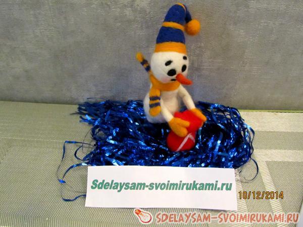 Снеговик помощник Деда Мороза