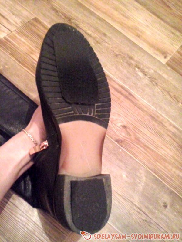 сделать обувь не скользкой