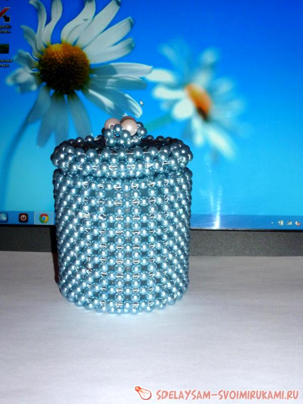 we twist the jar beads